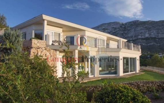 Villas in Denia, the ideal place to live all year