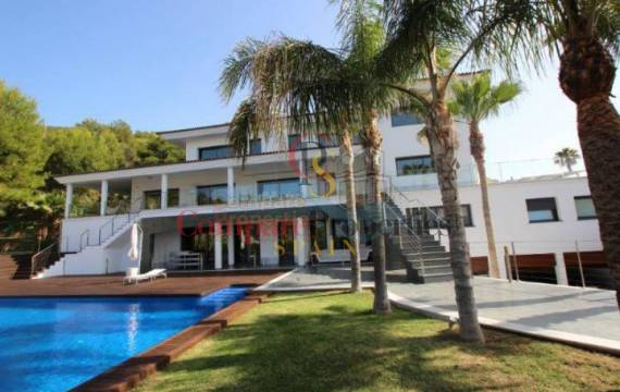 The houses for sale in Albir Spain are ideal to make your dreams come true