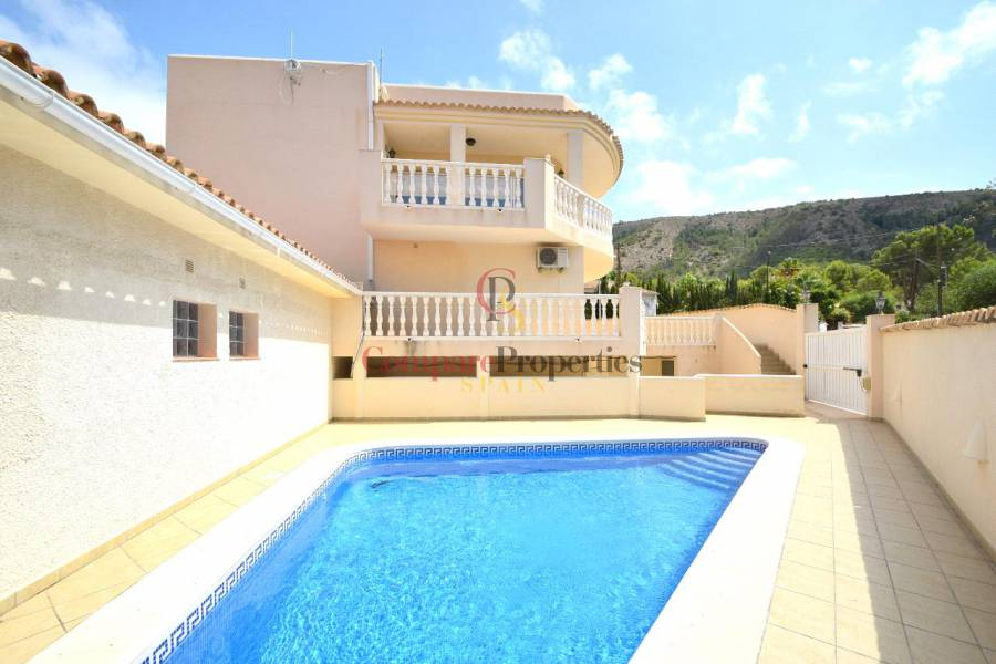 Korte termijn verhuur - Semi-Detached Villa - Albir